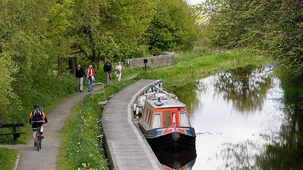 Kini, kawasan tempat tinggalnya dulu telah bertransformasi jadi tempat yang jauh lebih nyaman untuk tinggal, termasuk bekerja dan berwisata (Scottish Canal)