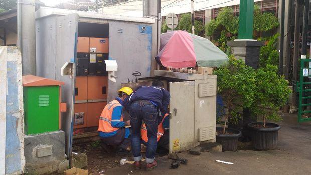 Kondisi gardu listrik Fatmawati yang sedang diperbaiki (Arun-detikcom)