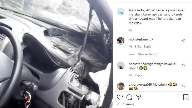 Mobil terbakar gara-gara korek api