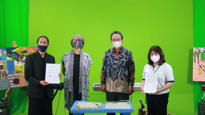 Penandatanganan nota kesepahaman (MoU) antara UKM Creative Business Of Difable Community (CIDCO) dan Artherapy Center Widyatama Bandung dengan Yayasan Komunitas Tionghoa Peduli dan PT Lintas Sinergi Jabarindo.