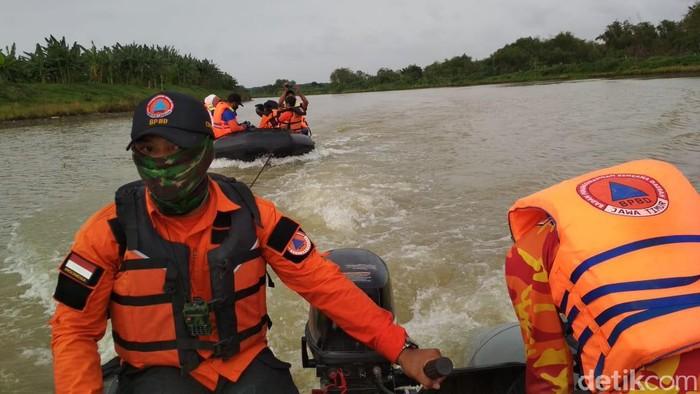 Enam tanggul Sungai Bengawan Solo yang ada di Lamongan rawan longsor. Ini diketahui saat Badan Penanggulangan Bencana Daerah (BPBD) Lamongan melakukan penelusuran di Bengawan Solo.