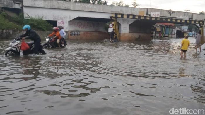 Hujan Kembali Mengguyur, Banjir Makin Parah Menerjang Sejumlah Desa Pasuruan