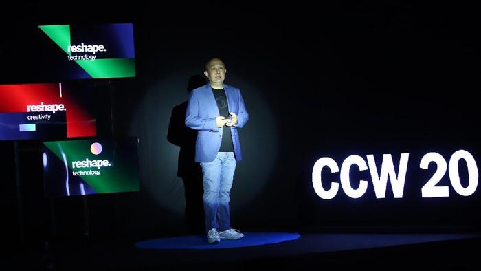 AKARTA,02/11-Jenius Co Creation Week 2020. Digital Banking Head Bank BTPN Irwan S. Tisnabudi, membuka ajang kokreasi dan kolaborasi tahunan, Jenius Co.Creation Week 2020 di Jakarta, Senin (02/11/2020). Acara yang mengusung tema Reshape diharapkan dapat mengajak masyarakat digital savvy untuk berteman dengan perubahan.  Rangkaian acara yang terdiri dari kompetisi, conference, dan talks dengan tiga pilar yaitu teknologi, kreativitas, dan finansial berlangsung hingga 6 November 2020 secara virtual.
