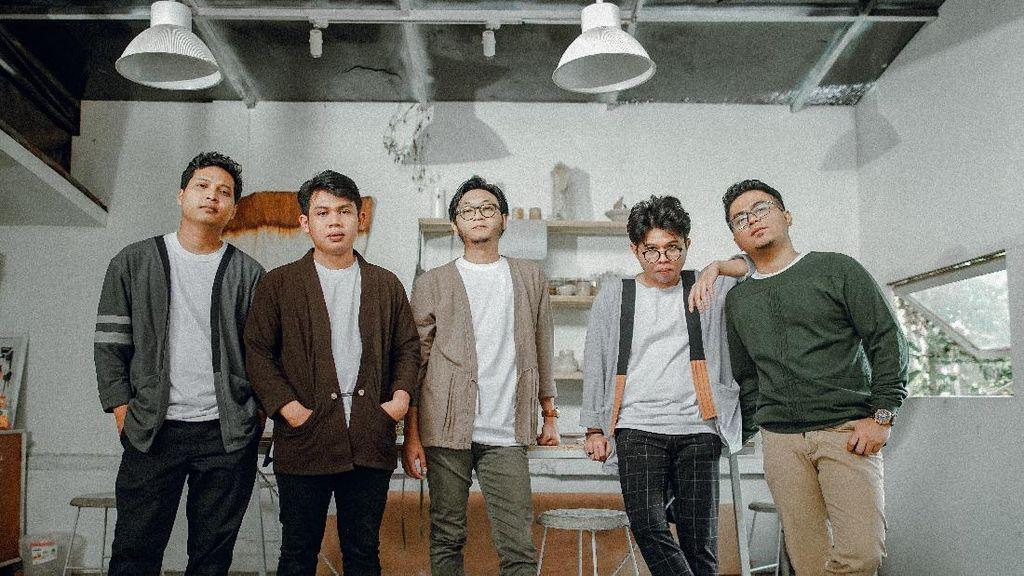 Sebulan Rilis Album, Juicy Luicy Pecahkan Rekor