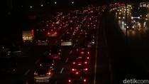 Gerbang Tol Cengkareng Arah Bandara Soekarno-Hatta Macet