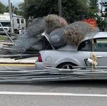 Tega Banget, Ford Mustang Dipakai Angkut Material Bangunan