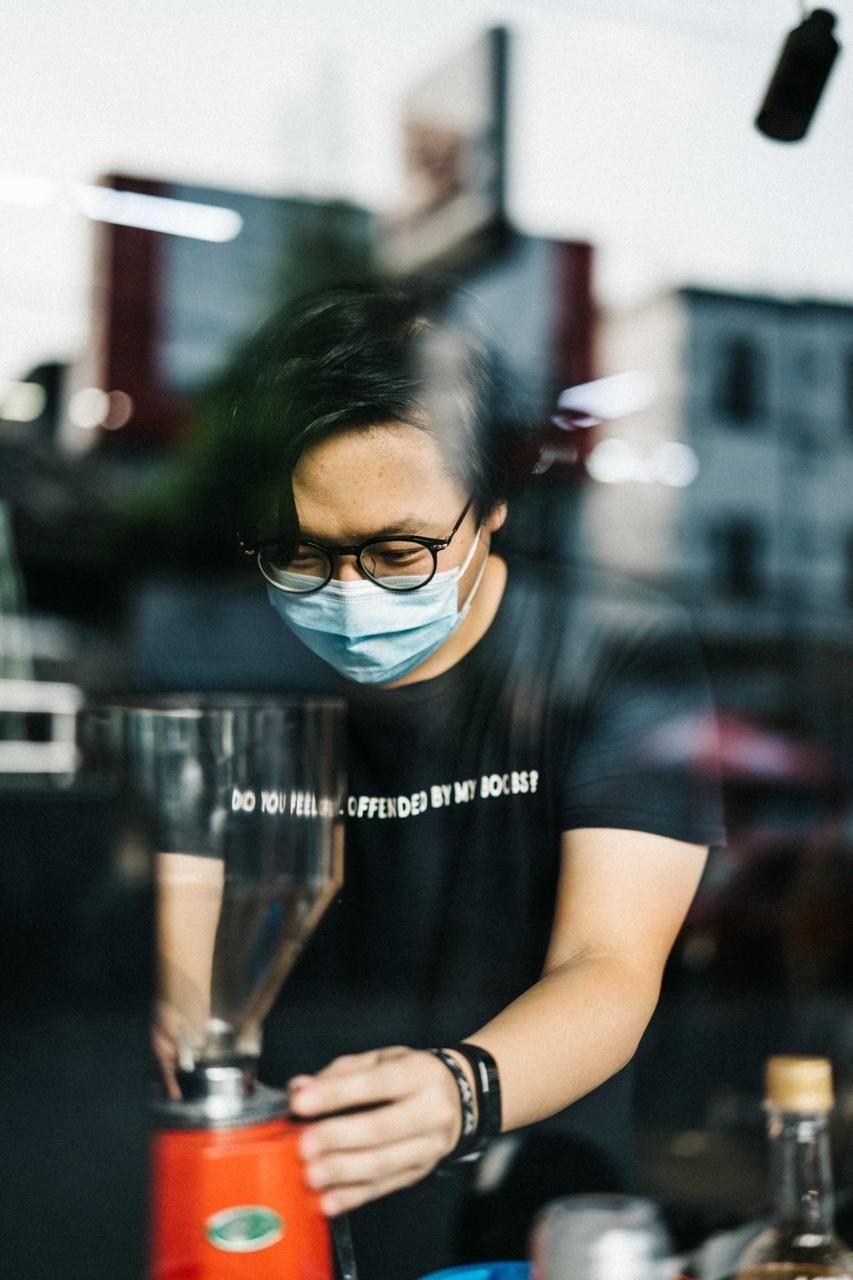 Pemilik Kopi Pak Deni dan Studio Tiga, Joshua Gunadi