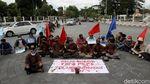 Protes Kenaikan UMP, Buruh di Yogyakarta Gelar Aksi Teatrikal
