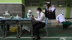 Pemerintah kota Solo akan membuka tiga sekolah untuk pembelajaran tatap muka. Sebelum itu, rapid test harus dijalani oleh para siswa dan murid.