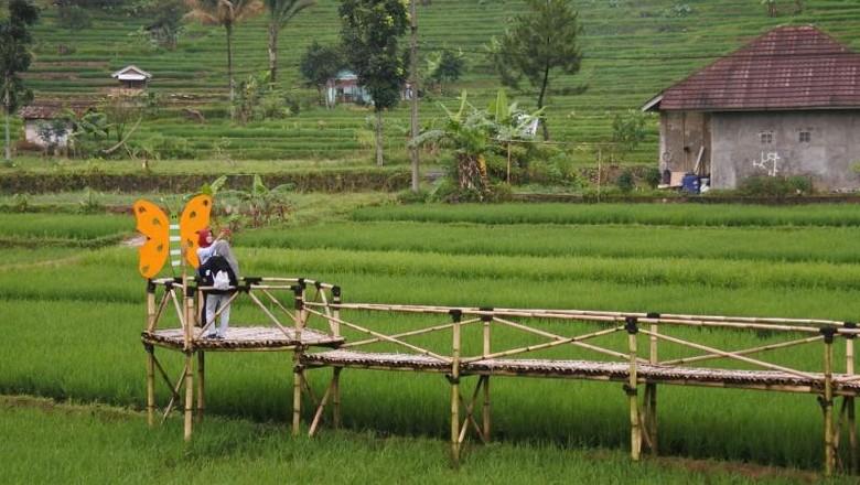 Desa Bantarkaret di Kabupaten Bogor