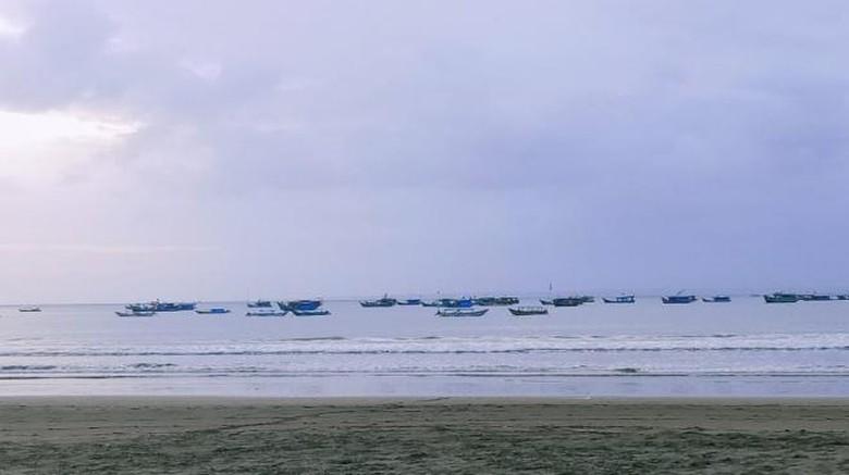 Eksotisnya Pesisir Barat Pantai Pangandaran
