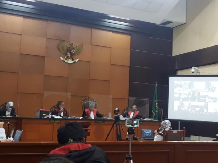 Kesaksian Eti Wahyuni, sekretaris Brigjen Prasetijo Utomo di sidang kasus surat jalan palsu Djoko Tjandra
