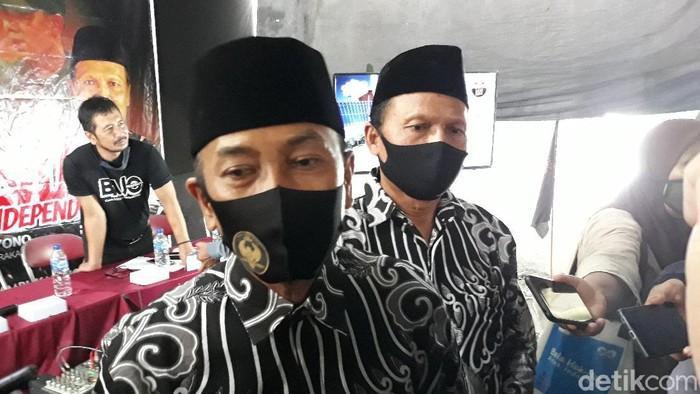 Paslon independen Solo Bagyo Wahyono-FX Supardjo (Bajo). Foto diambil di posko pemenangan Bajo, Laweyan, Solo, Selasa (3/11/2020).