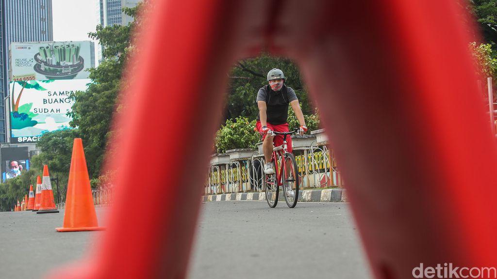 Aksi begal terhadap pesepeda di Jakarta tengah marak. Polda Metro Jaya meminta Pemprov DKI Jakarta menambah kamera CCTV di jalan-jalan Ibu Kota.