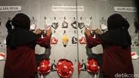 Total karya yang dipajang sebanyak 360 buah masker.