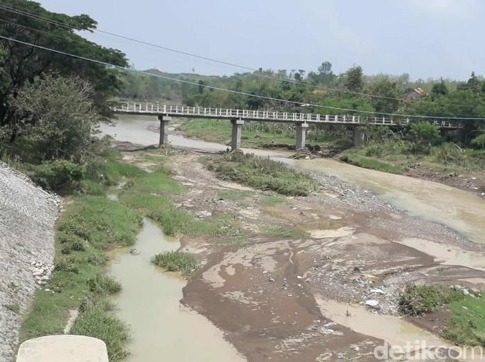 Sungai Babakan, Kecamatan Ketanggungan, Kabupaten Brebes, Selasa (3/11/2020).