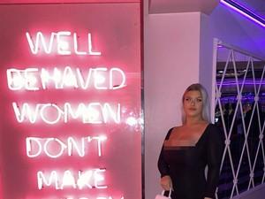 Kisah Wanita yang Merasa Dikutuk Karena Payudara Berukuran I