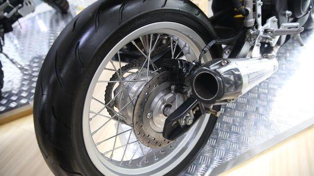 Yamaha XSR155 modifikasi Studio Motor dengan konsep Cafe Racer