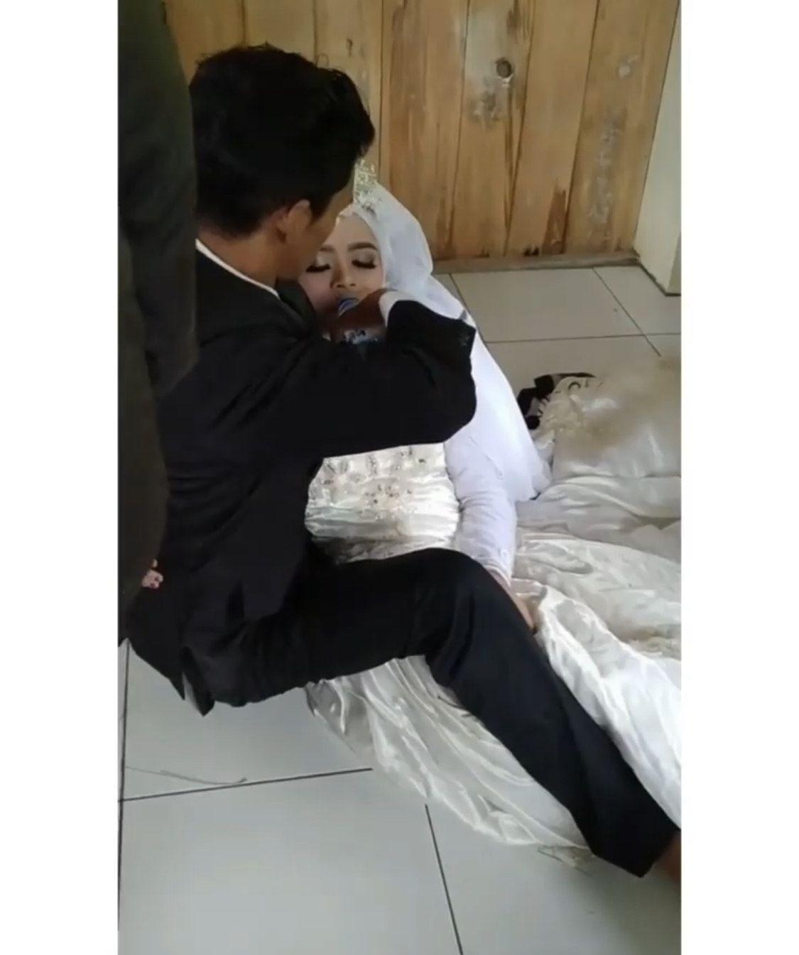 Pengantin yang pingsan karena foto prewedding