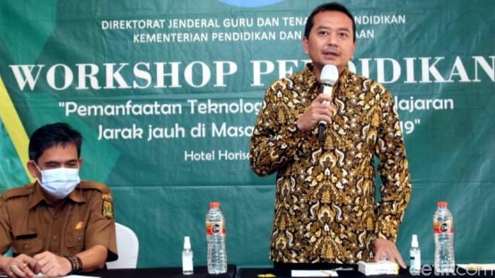 Ketua Komisi X DPR Syaiful Huda memprediksi KBM tatap muka pertengahan 2021