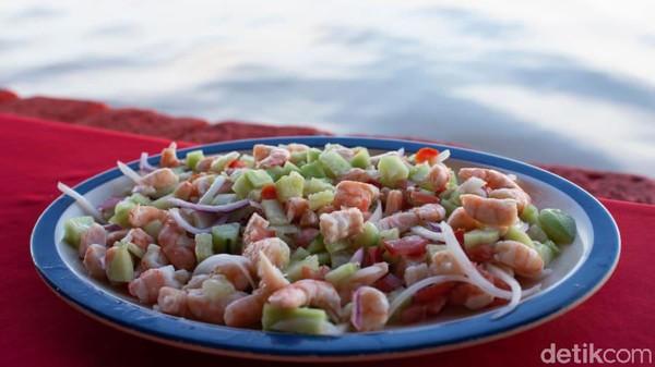 Kuliner di kota ini juga lezat-lezat. Di tahun 2009, Mexcaltitan sempat kehilangan statusnya sebagai Pueblo Magico karena minimnya perawatan dan pembangunan infrastuktur yang dilakukan oleh pemerintah setempat. (CNN)