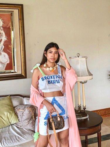 Putri Samboda yang viral berkat daur ulang