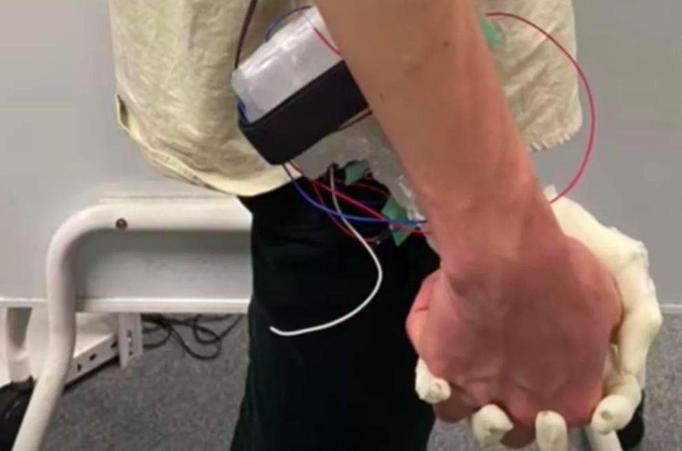 robot tangan