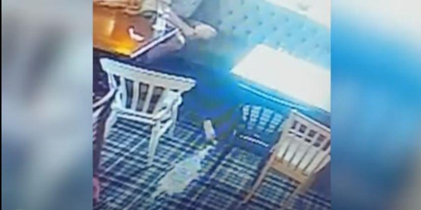 Seram! Hantu Ini Tertangkap Kamera Banting Gelas Bir di Restoran