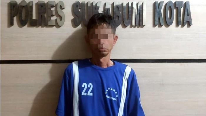 Sopir angkot di Sukabumi ditangkap polisi gegara edarkan narkoba.