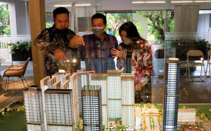 Pengembang properti terpercaya dalam negeri siap menyelesaikan Tower Aoki dan Botan di apartemen Vasanta Innopark. Kenyamanan yang diberikan bagai rumah idaman bagi para komunitas Ekspatriat Jepang.