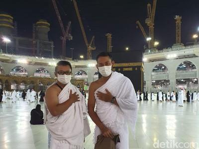Jemaah Umroh Indonesia Tawaf Perdana, Menangis Bahagia