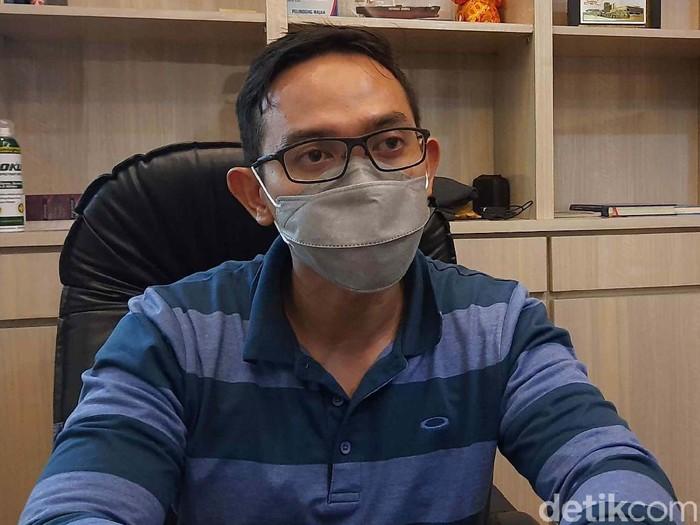 Kepala Bagian Humas Pemkot Surabaya, Febriadhitya Prajatara