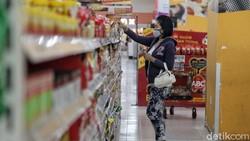 Pemberlakuan Pembatasan Kegiatan Masyakarat (PPKM) diperpanjang sepekan ke depan. Tren kasus menurun di Jawa Bali, mau ke Supermarket wajib pakai PeduliLindungi