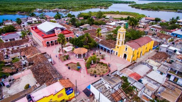 Kota di Meksiko sempat kehilangan keajaibannya, dan bersyukur kini telah kembali. Apa yang kita bicarakan ada di Mexcaltitán.