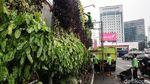 Perawatan Taman Kota Hijaukan Jakarta