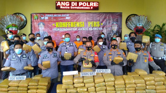 Polres Jaktim sita 159 kilogram ganja dari jaringan narkoba