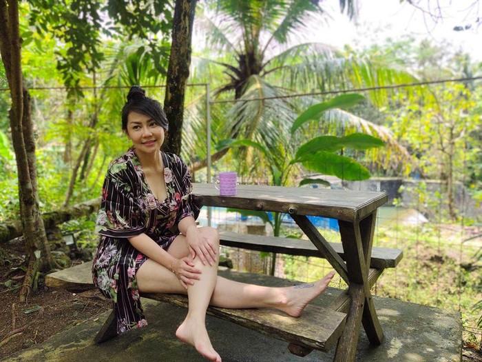 Tessa Kaunang tetap seksi di usia 44 tahun.