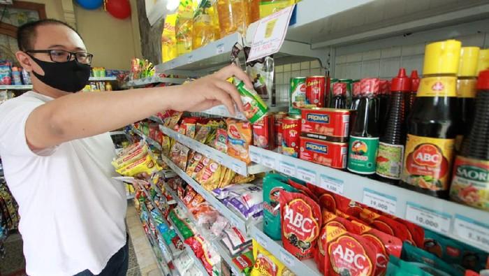 Bank Mantap menggandeng Indogrosir untuk dorong pensiunan berwirausaha. Mereka dapat membuka usaha toko yang menjual sembako dan kebutuhan sehari-hari lainnya.