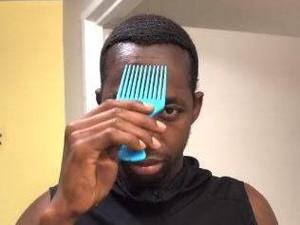 Viral Bikin Kaget & Melongo, Rambut Pria Ini Mendadak Panjang Usai Disisir
