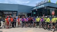 Setiap singgah di kota-kota tertentu kampanye bersepeda akan dilakukan juga memberi informasi mengenai destinasi-destinasi atau keunikan kuliner yang telah dilewati. (WCC)