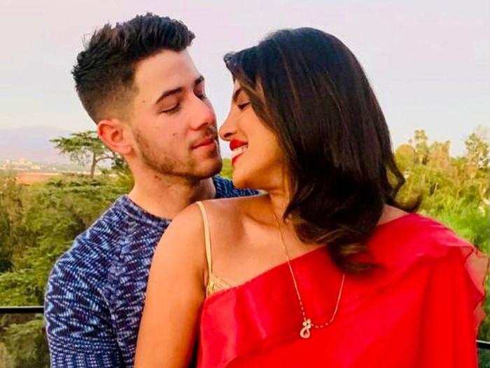 Kemesraan Priyanka Chopra dan Nick Jonas