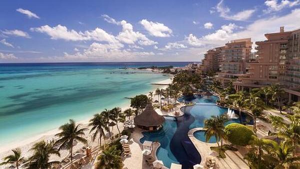 Hotel mewah Grand Fiesta Americana Coral Beach Cancun menjulang dengan megah di jantung kawasan hiburan Cancun. Ada 602 kamar yang berdesain kelas Eropa. (TripAdvisor)