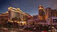 Caesars Palace, Las Vegas, Nevada menawarkan restoran kerajaan hingga relaksasi di pusat Las Vegas Strip. Pilihan makanan pun termasuk dari koki selebritu seperti Gordon Ramsay, Bobby Flay, Guy Sabou dan Nobu Mastuhisa. (TripAdvisor)