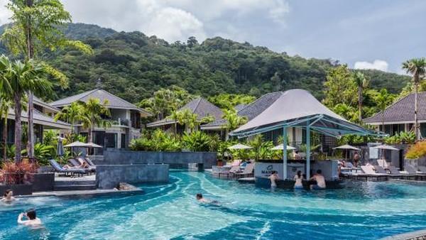 Mandavara Resort and Spa, Karon Beach Thailand memiliki berbagai fasilitas seperti TV LED, lemari es, mini bar dan Wi-Fi gratis, Mandavara Resort and Spa memiliki suasana yang sesuai untuk liburan keluarga. Lokasinya dekat dengan restoran populer dan juga Pantai Karon. (TripAdvisor)