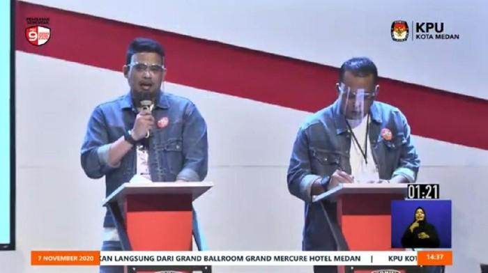 Bobby Nasution dan Aulia Rachman saat debat Pilkada (dok. YouTube Hupmas KPU Medan)