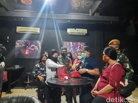 Puluhan LC di Karaoke May Way Panjang Jiwo Surabaya Diswab