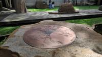 Sunaryo berkreasi membuat Wot Batu sebagai tempat berkumpul dengan konsep art space.