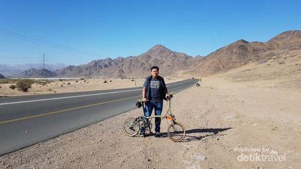 Bersepeda di Madinah