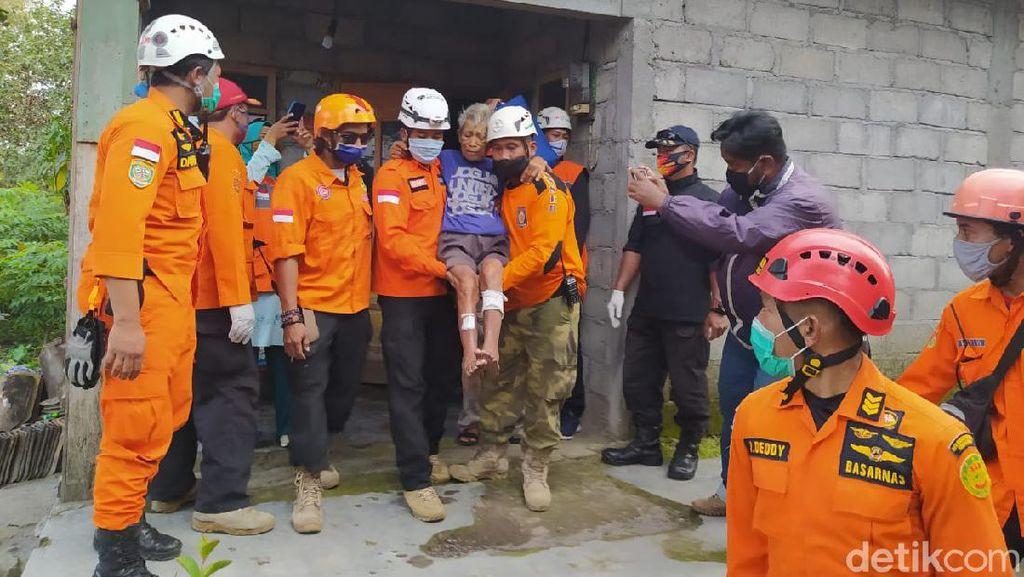 Ratusan Warga Desa Keningar di Lereng Merapi Dievakuasi Turun