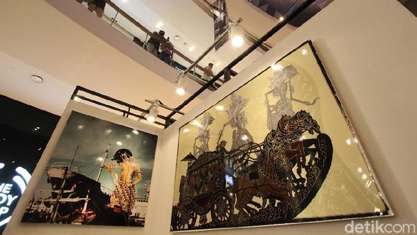Ada beragam foto mengenai wayang yang ditampilkan di pameran tersebut.